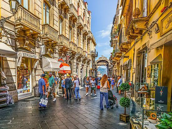 Il Corso Umberto di Taormina
